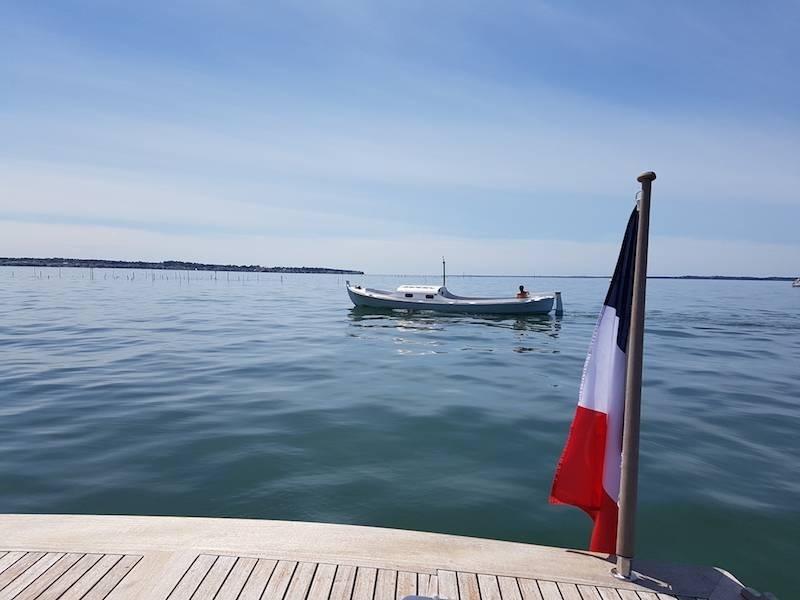 visite guid e du bassin d 39 arcachon avec skipper croisi re en bateau sur le bassin d 39 arcachon. Black Bedroom Furniture Sets. Home Design Ideas